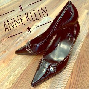 Anne Klein Spool Pumps